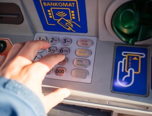 Os bancos impoñen os seus productos pero non atenden